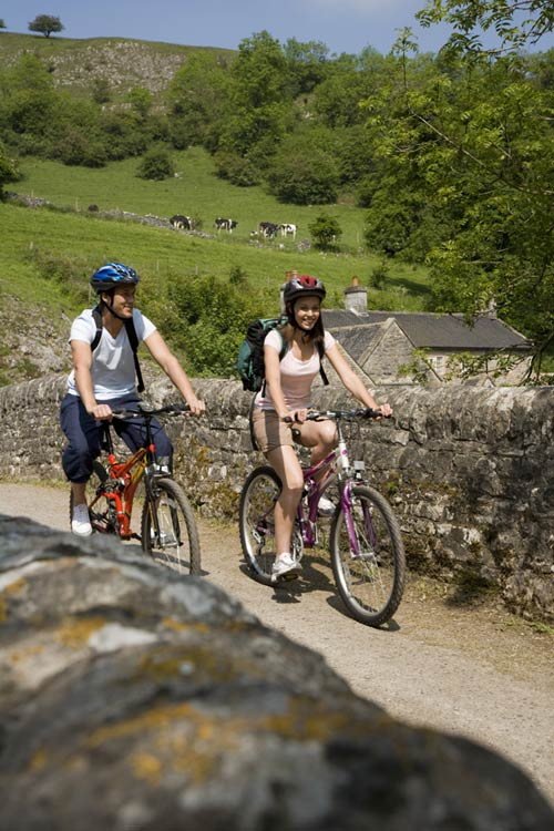 Cycling-at-Wetton-Mill