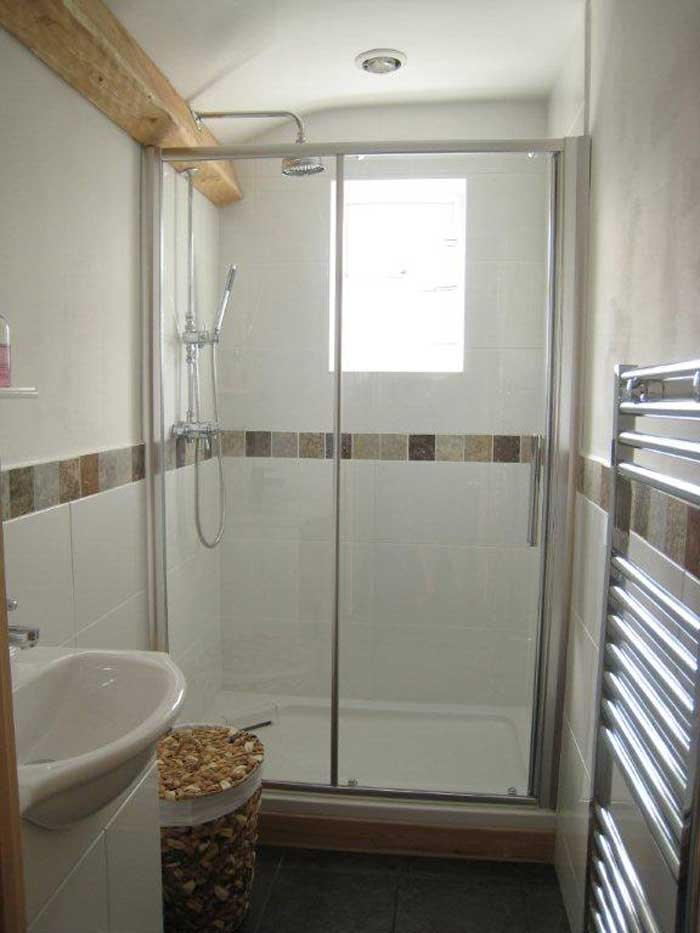 Plenty of storage space and shower facitlities to make your stay even more comfortable