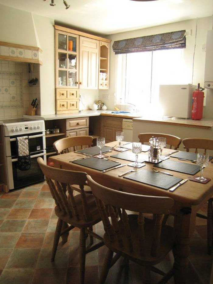The fully fitted kitchen for self catering holiday in Chesterfield