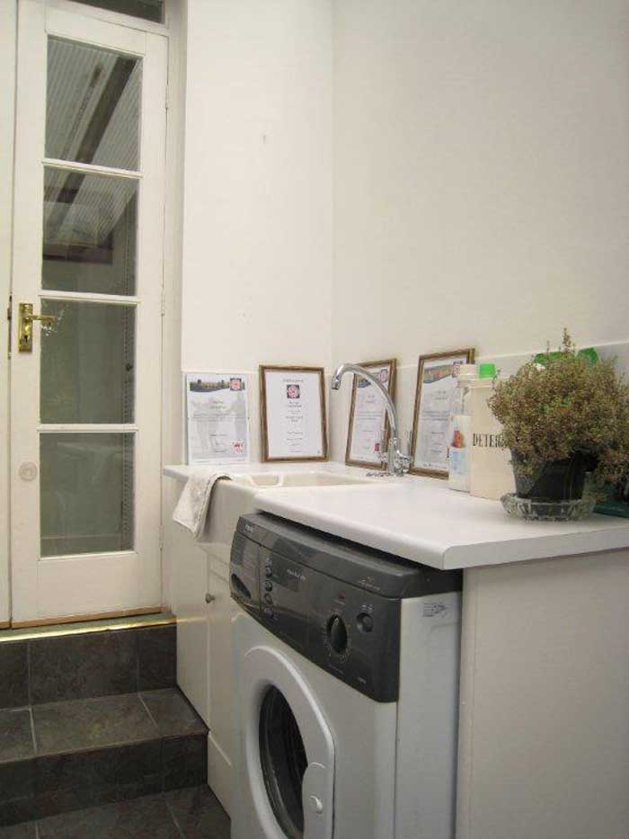 Self catering accommodation in Chesterfield with washing machine